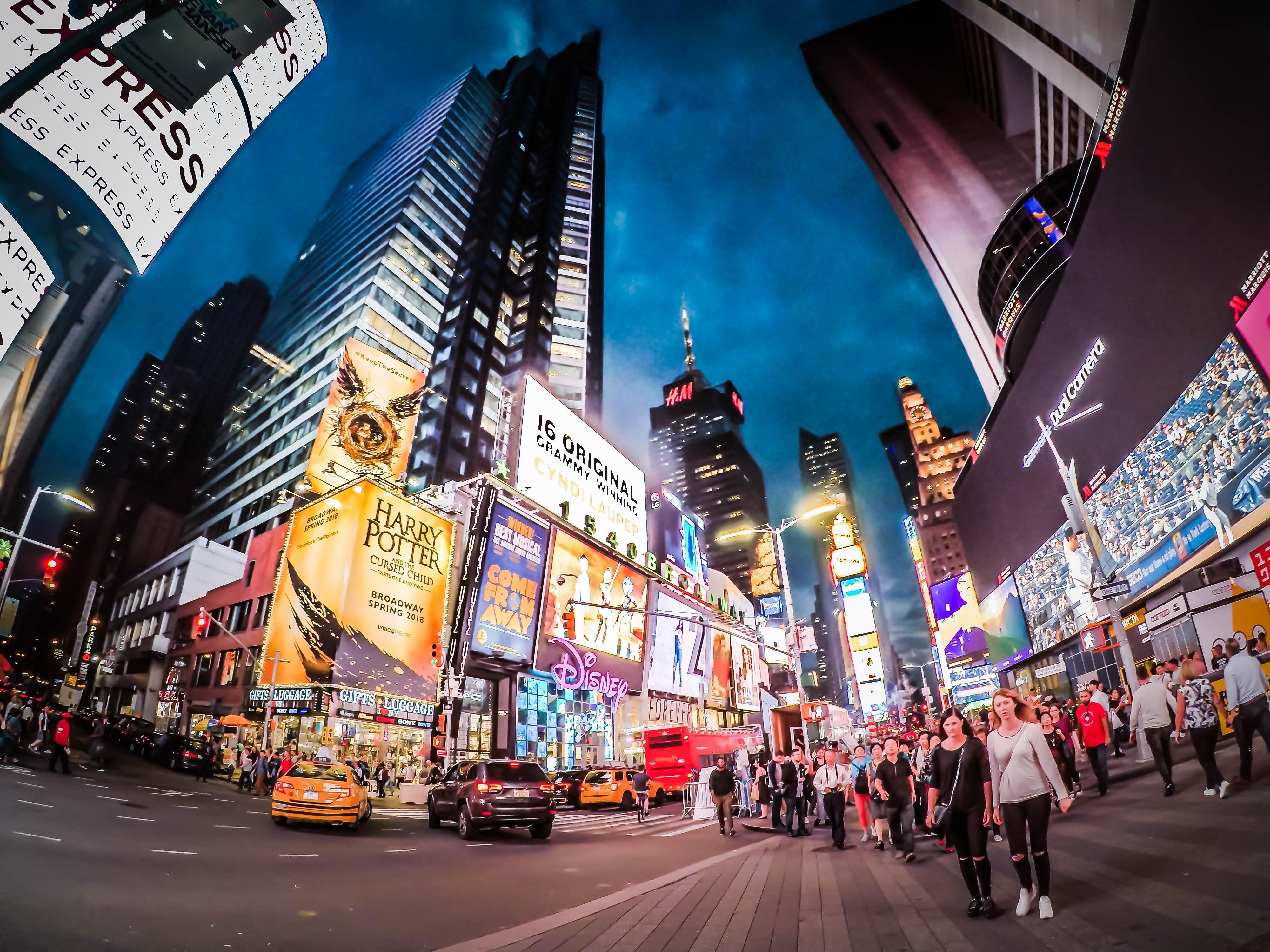 pantallas marketing digital contenidos digitales redes sociales creatividad video marketing inbound.jpg