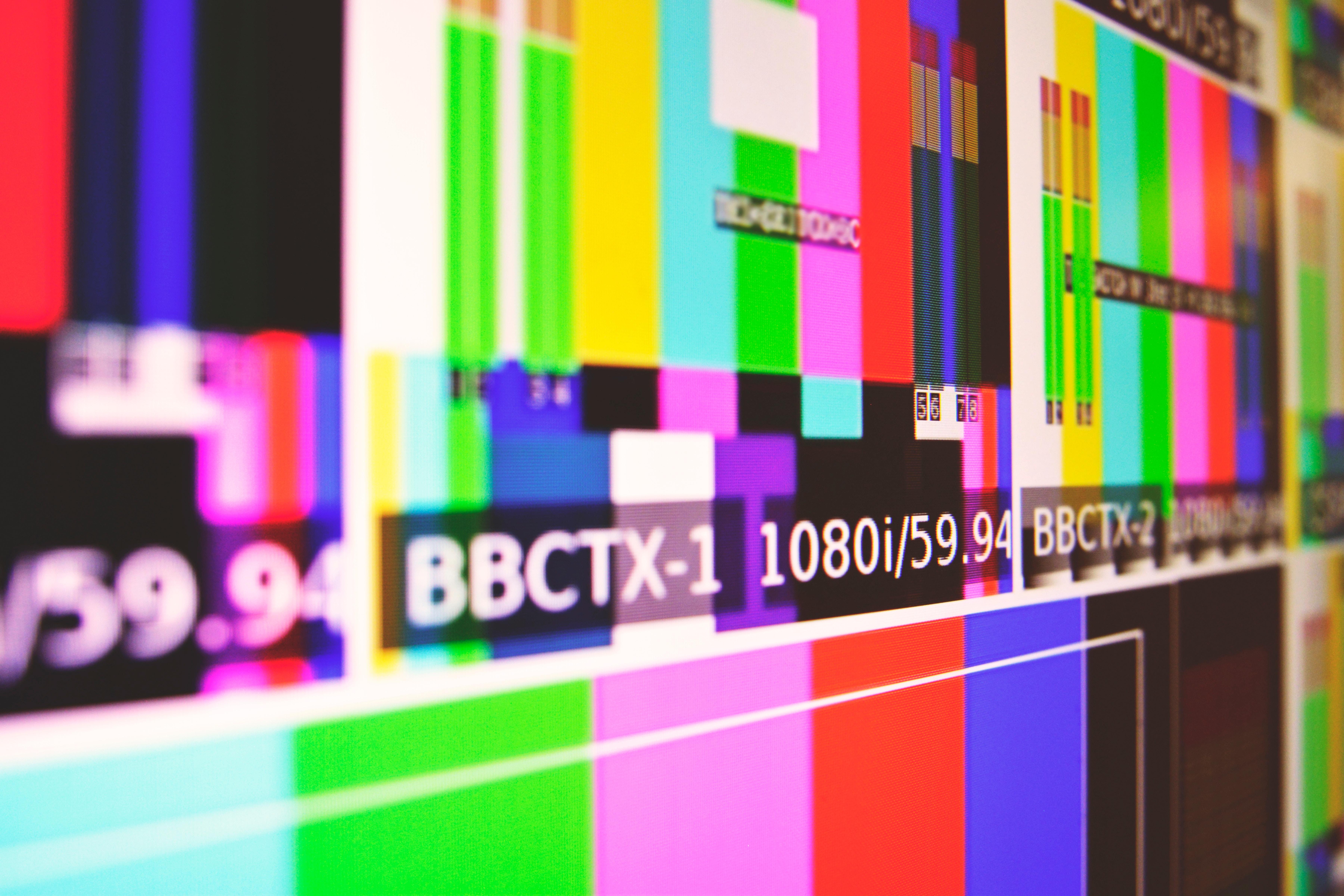 television marketing de videos video redes sociales publicidad pantalla via publica.jpg