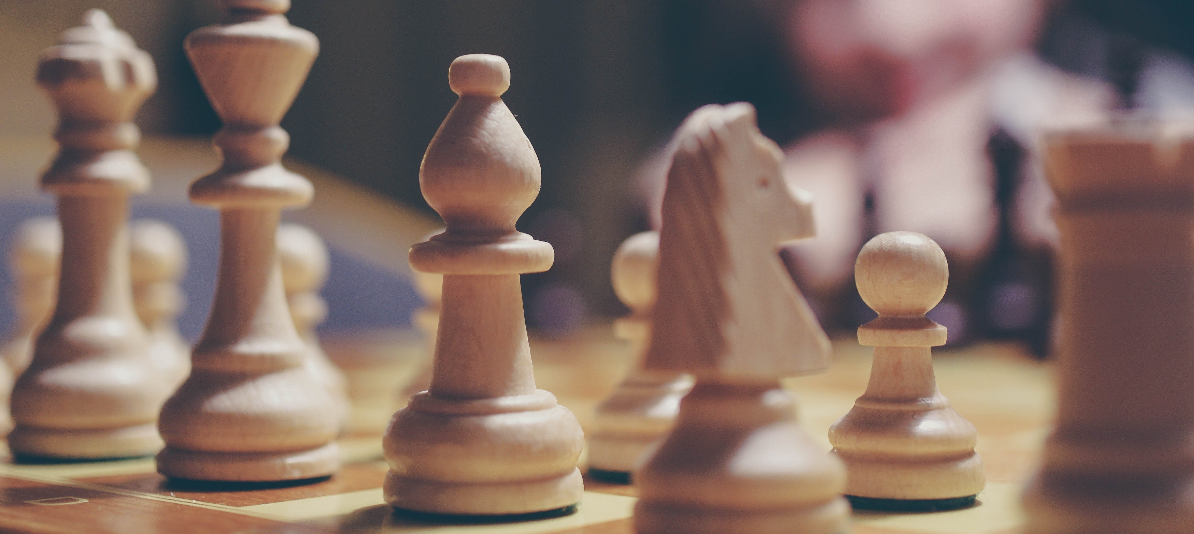 estrategia marketing ajedrez tablero comandos campaña plan marketing-502892-edited.jpg